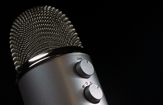 Microphone-1172260_1920