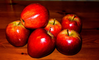 Red-apple-fruit-season-food-wallpaper-preview